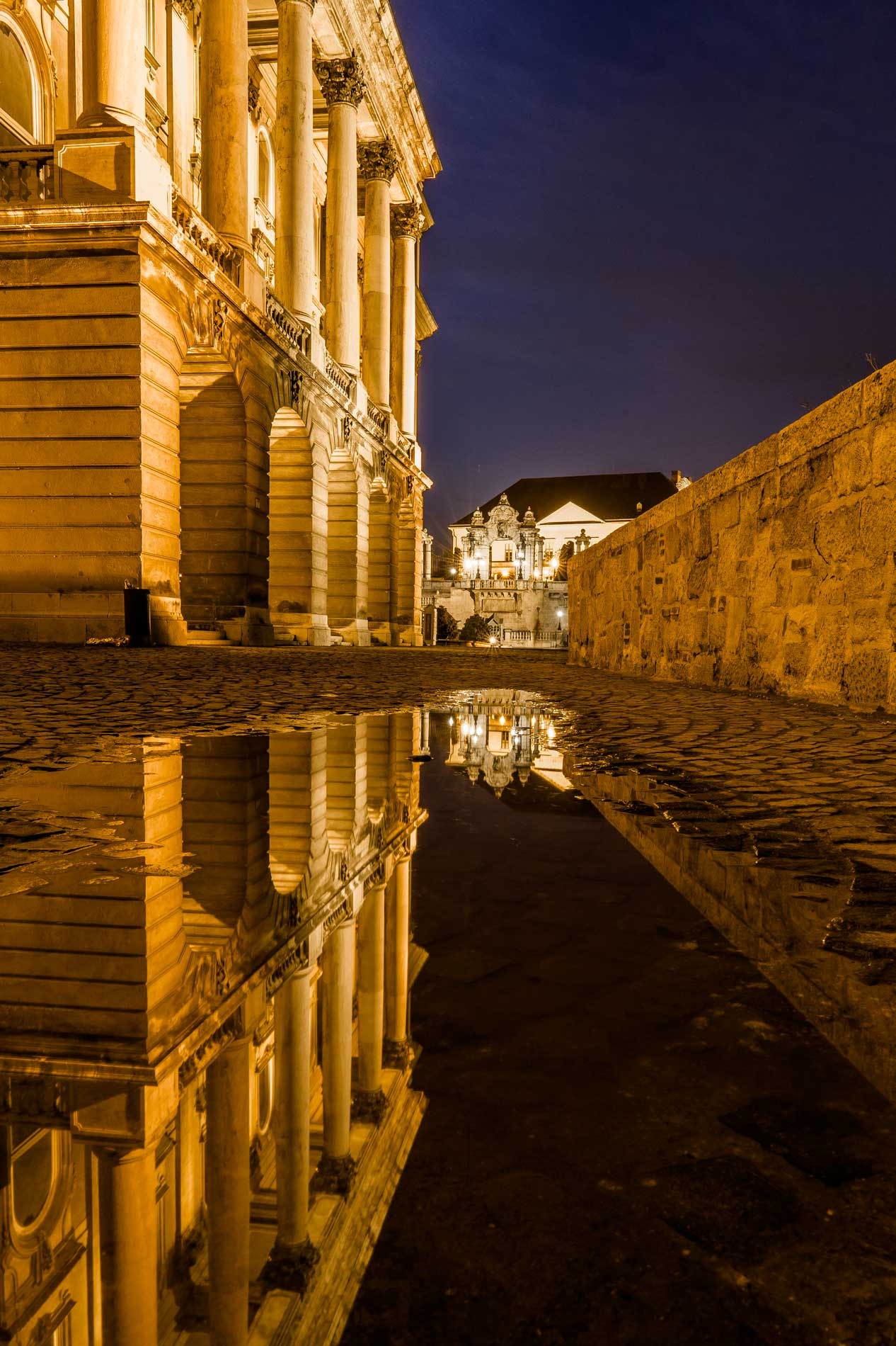 photography_atthary_budapest_reflection_31